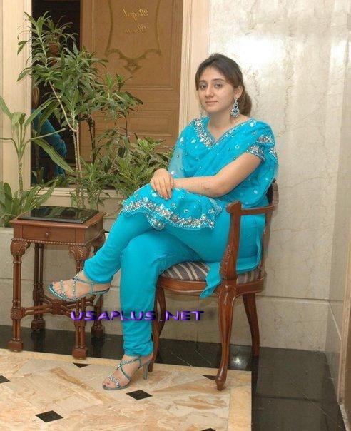 Pakistani lahore nude wife talking on phone clear urdu 2