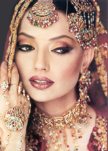 Indian Bridal Makeup And Matching Jewelry Luxurious Look